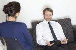 Czy warto skorzystać z internetowej pomocy psychologicznej czy lepiej udać się na wizytę do gabinetu psychologa?